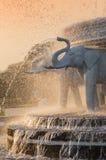 Head springbrunn för elefant på BAPS Shri Swaminarayan Mandir i Atlanta, GUMMIN - den största hinduiska templet förutom Indien Royaltyfria Bilder