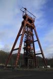 Headframe abandonado rojo Sainte Fontaine Mosela Fotografía de archivo