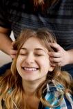 Headmassage im Haus Lizenzfreie Stockfotos