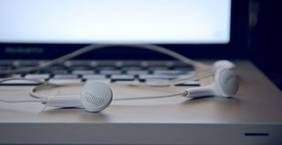 headphone connect to mac book Royalty Free Stock Photo