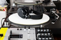Headphones, mixer and turntable Royalty Free Stock Photography