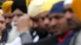 Headscarfs sikh dei maschi del gruppo anonimo stock footage