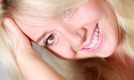 headshot χαμογελώντας γυναίκα στοκ φωτογραφία με δικαίωμα ελεύθερης χρήσης