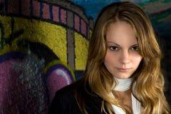 headshot надписи на стенах девушки Стоковые Изображения