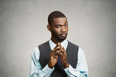 Headshot astucieux, homme d'affaires intrigant Photographie stock