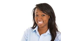 Headshot av en lycklig studentkvinna arkivbilder