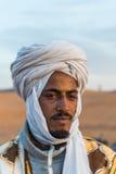 Headshot d'un nomade dans Sahara Desert Photos libres de droits