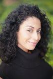 Headshot de una mujer atractiva Foto de archivo libre de regalías