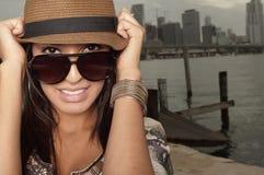 Headshot de una mujer con estilo imágenes de archivo libres de regalías