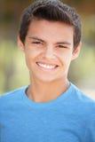 Headshot de una sonrisa del adolescente Foto de archivo