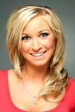Headshot der recht blonden Frau Stockfotografie