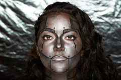 Headshot des femmes avec l'art de corps image libre de droits