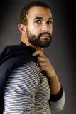 Headshot eines Mannes mit Bart Stockfotos