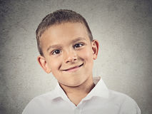 Headshot gelukkige jongen, kind stock foto's