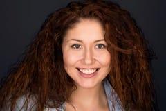 Headshot Glückliche junge Frau Lizenzfreie Stockfotos
