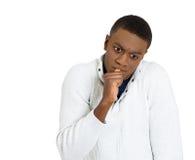 Headshot luie jonge mens Menselijke emotiehouding, waarneming royalty-vrije stock afbeelding