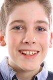 Headshot observé bleu heureux de garçon image stock
