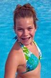 Headshot por la piscina Fotografía de archivo libre de regalías