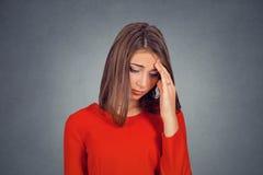 Headshot smutna młoda kobieta zdjęcia royalty free