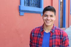 Headshot sonriente del individuo étnico sano fotografía de archivo libre de regalías