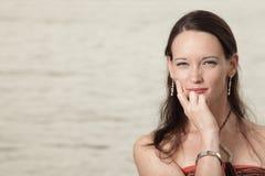 Headshot van een jonge vrouw Royalty-vrije Stock Foto's