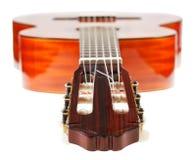 Headstock av den klassiska akustiska gitarren Royaltyfri Foto