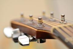 Headstock för akustisk gitarr Arkivfoto
