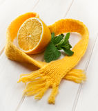 Healing lemon and mint in a scarf Stock Photos