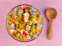 Healthy breakfast with cereal and fruit Royalty Free Stock Photos