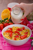 Healthy breakfast cornflakes with milk and fruits Royalty Free Stock Photography