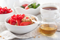 Healthy breakfast with granola and strawberry Stock Photography