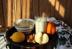 Healthy breakfast of oatmeal Royalty Free Stock Images