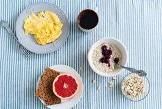 Healthy breakfast: omelet and rye bread. Stock Images