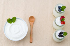 Healthy breakfast with yogurt and berry, dieting, placemat Stock Photography
