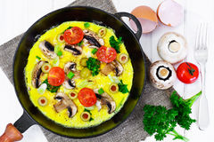 Healthy and Diet Food: Scrambled Eggs with Mushrooms and Vegetab Royalty Free Stock Photography