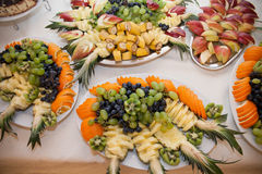 Healthy fruit table at wedding reception catering: pineapple & g stock photography