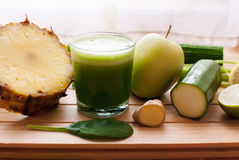 Healthy green detox juice Royalty Free Stock Photography