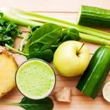 Healthy green detox juice Royalty Free Stock Photos
