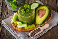 Healthy green juice smoothie Royalty Free Stock Photo