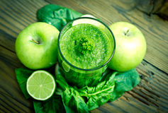 Healthy green smoothie Royalty Free Stock Images