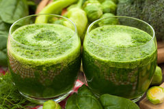 Healthy green vegetable juice Royalty Free Stock Images