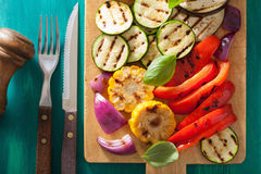 Healthy grilled vegetables on chopping board Royalty Free Stock Photos