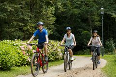 Healthy lifestyle - people riding bicycles Royalty Free Stock Photography
