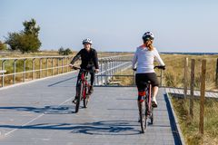 Healthy lifestyle - people riding bicycles Stock Photography