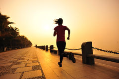 Healthy lifestyle woman running Royalty Free Stock Photography