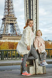 Healthy mother and child standing on Pont de Bir-Hakeim bridge Stock Photography