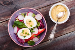 Healthy salad with eggs and vegetables Royalty Free Stock Images