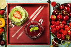 Healthy smoothies with fresh ingredients Royalty Free Stock Images