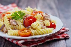 Healthy tuna and tomato pasta Royalty Free Stock Images