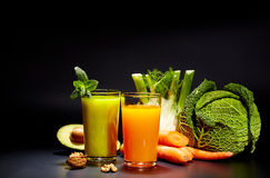 Healthy vegetable juices for refreshment Royalty Free Stock Photos